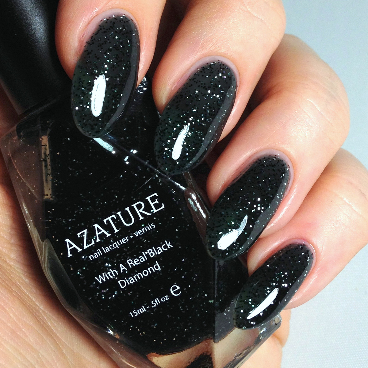 Azature Black | A Z A T U R E
